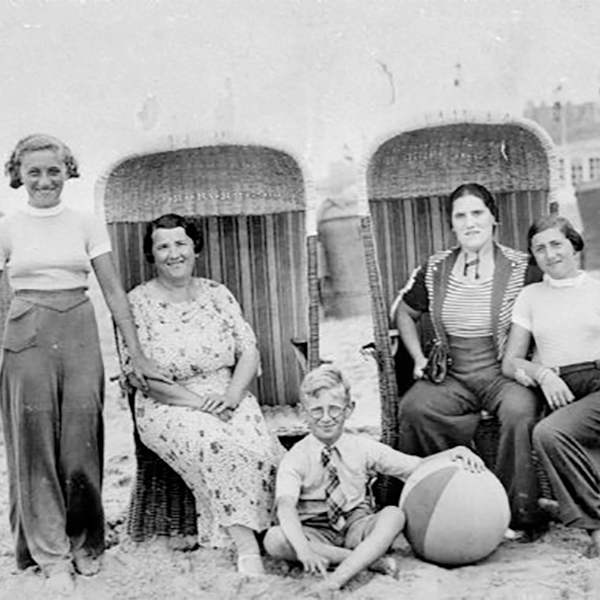 Melkman Family at the Seashore in Holland, 1934. Left to right: Flora van Brink Hony Bader (nee Melkman), mother Duifje Melkman, brother Harry Melkman, aunt Rebecca Veerman and sister Annie Melkman at the seashore in Holland.